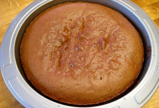 Простой бисквит для торта на скорую руку со сгущенкой