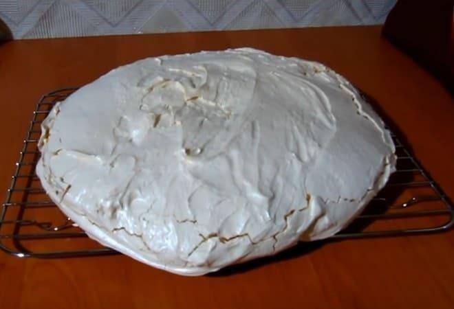 Корж безе для торта готов