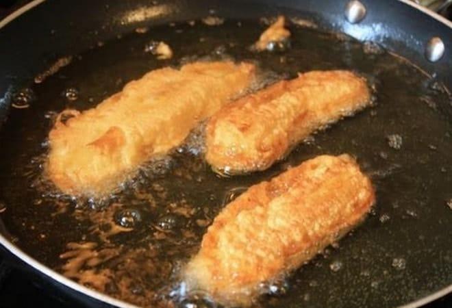 На фото видно, как жарить бананы согласно рецепту