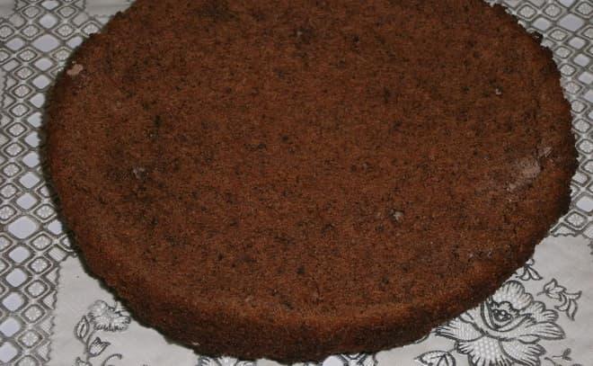 Как сделать вкусный торт из готовых бисквитных коржей