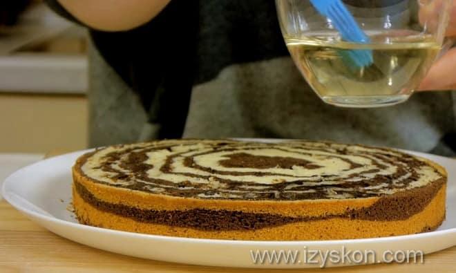 Чем и как пропитать торт зебра испеченный на кефире