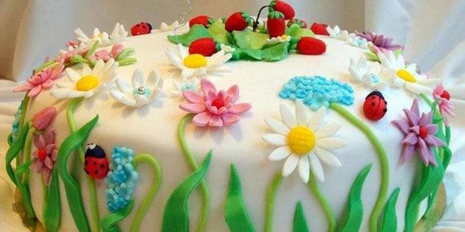 Как красиво украсить детский торт: особенности украшения выпечки для детей (с фото)