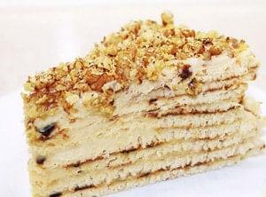 Как украсить торт на сковороде с заварным кремом