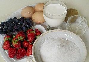 Продукты для приготовления и украшения торта Павлова