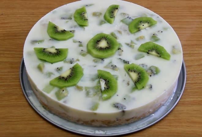 Красивое оформление йогуртового торта без выпечки