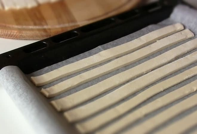 Рецепт слоеного теста для торта Полено