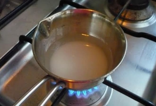 Приготовление суфле для торта начинается с подготовки желатина