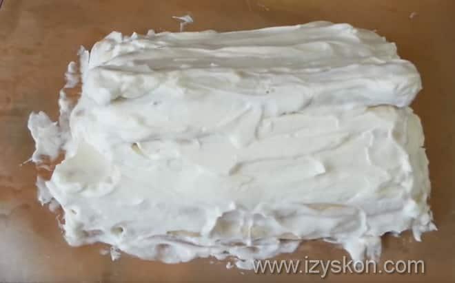 Формируем торт Монастырская изба со сметанным кремом