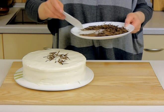 Украшение для торта из тертого шоколада