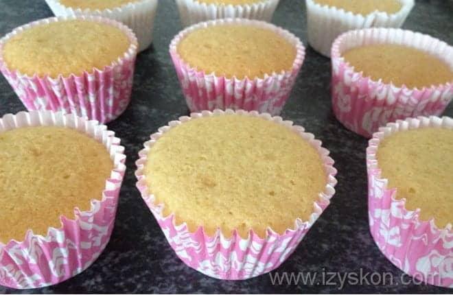 Готовые кексы из йогурта