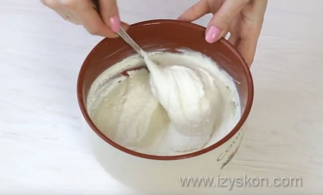 Подготовка творожной массы для чизкейка из тыквы по рецепту