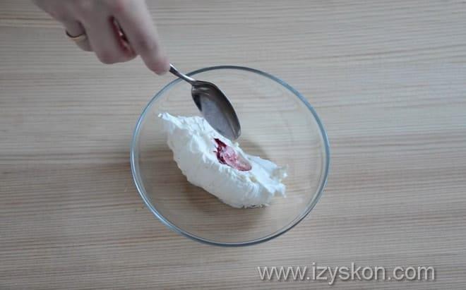 Как сделать разноцветным крем для капкейков в домашних условиях