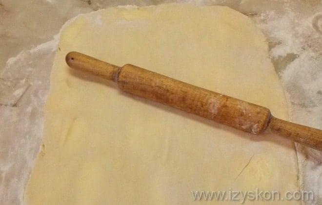 Раскатываем тесто для мильфея по классическому рецепту