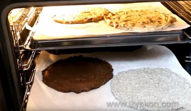 Как пекут домашний королевский торт в духовке