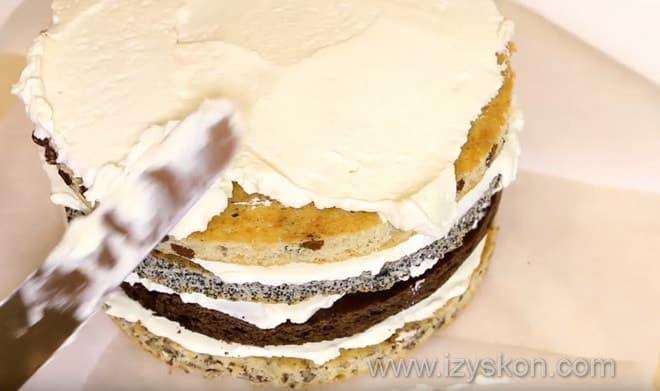 Как украсить торт королевский к приходу гостей