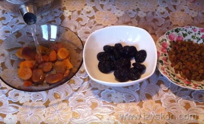 Подготовка сухофруктов для торта Кудрявый пинчер