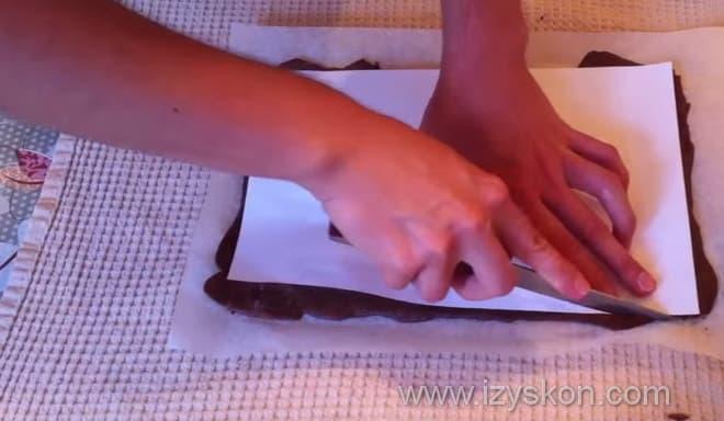 Как обрезать коржи торта спартак для идеальной формы