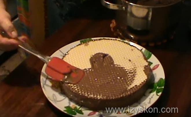 Каковы финальные аккорды оформления торта из готовых коржей со сгущенкой