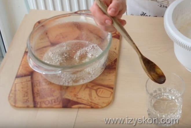 Как проверить на готовность сироп для белкового крема