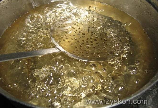 Как приготовить белковый крем на сиропе для украшения торта
