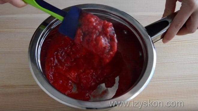 Как приготовить клубничный конфитюр для классического английского десерта