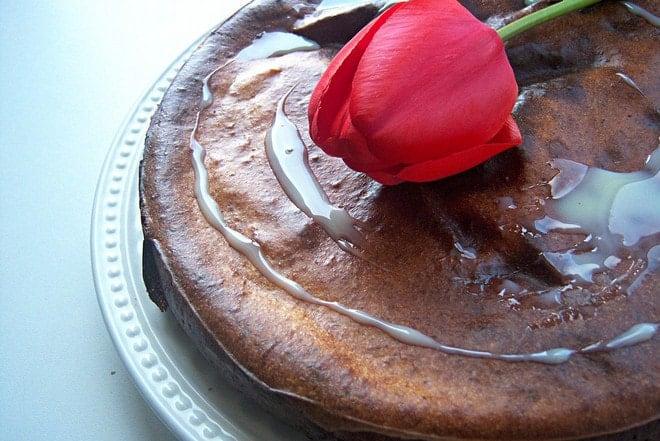 Как красиво оформить кекс на сметане