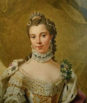 Яблочный пирог, который легко можно готовить в мультиварке, возможно, назван в честь королевы Шарлотты
