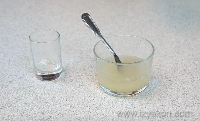 Для крема к торту Норка крота по рецепту с фото пошагово нужно замочить желатин
