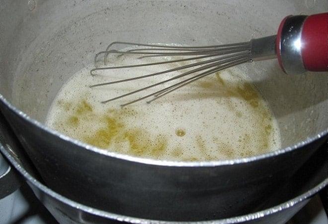 Какой крем подходит для украшения торта
