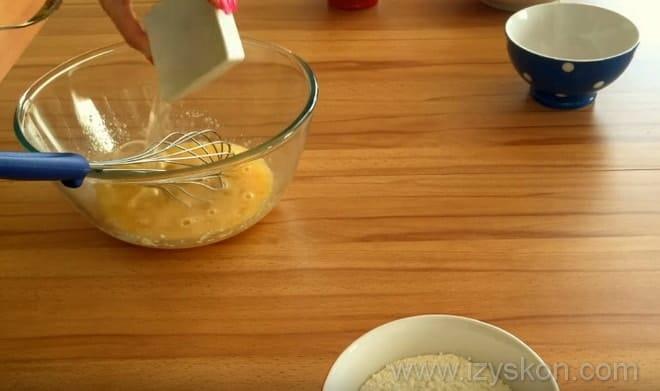 Делаем тесто для японских вкусняшек дораяки