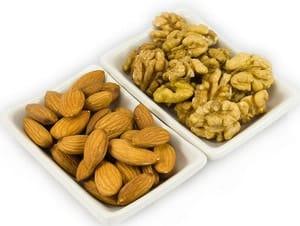 Выбор орехов для кекса на кефире приготовленного в мультиварке