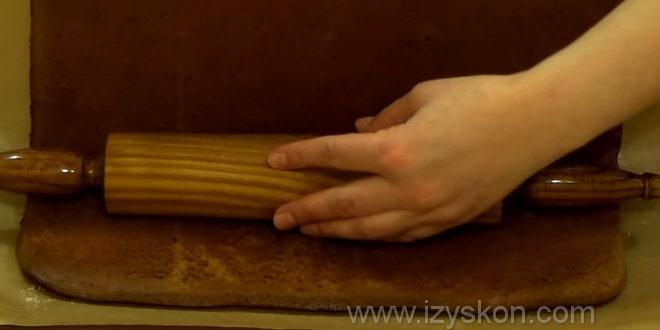 Загибаем бисквит через скалку для торта слоновья слеза рецепт с фото.