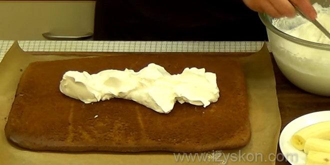 Нанесли крем для торта слеза слона