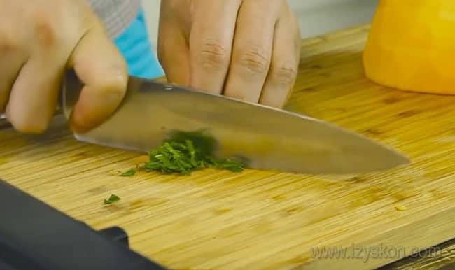 Давайте приготовим ароматные драники из тыквы с мятой.