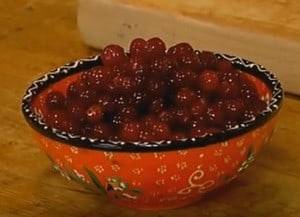 Маффины на сметане можно готовить с самой разной начинкой.
