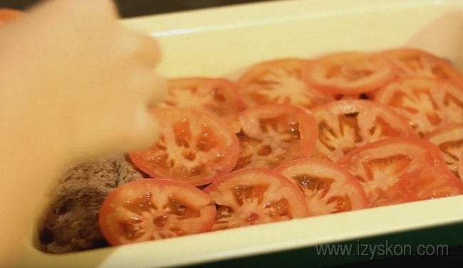 мясо по-французски в духовке с помидором и сыром рецепт
