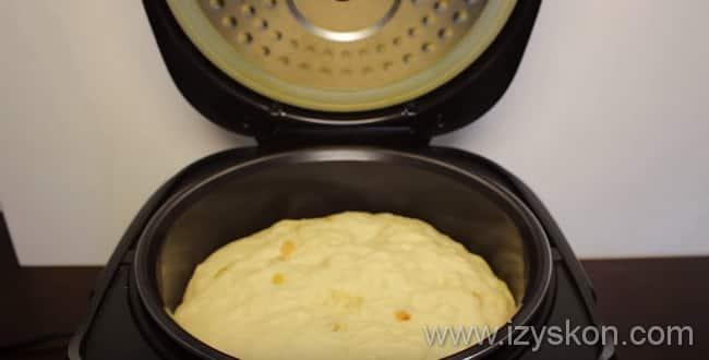 Тесто для кулича в мультиварке должно приподнятся