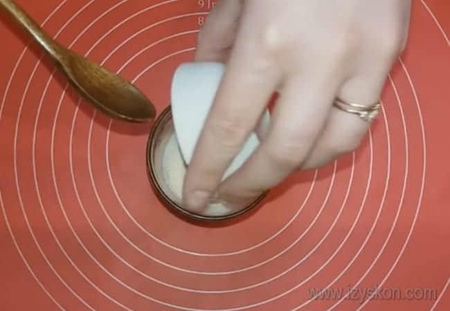 Предлагаем простые рецепты приготовления пасхальных куличей.