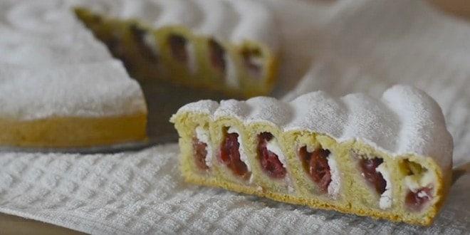 Пошаговый рецепт пирога с творогом и вишней