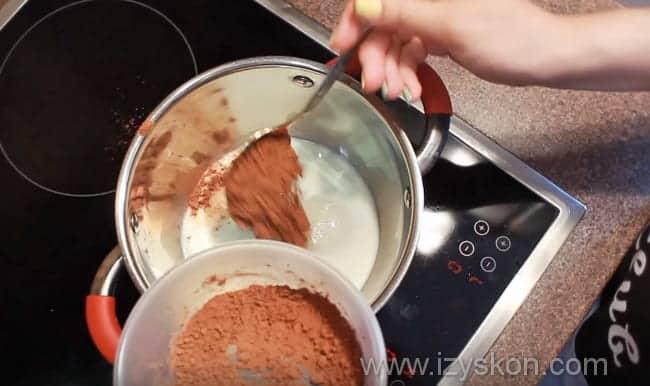 досыпаем сахар и какао