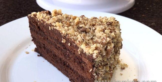 Как приготовить шоколадный торт с орехами в домашних условиях