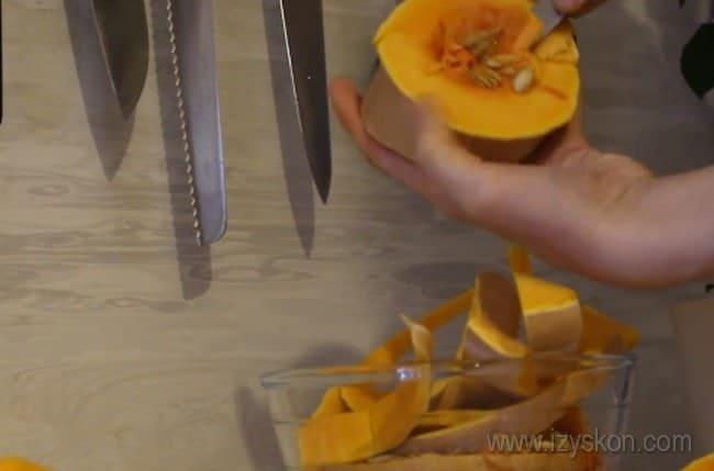 Узнайте, как правильно варить тыкву кусочками в кастрюле.