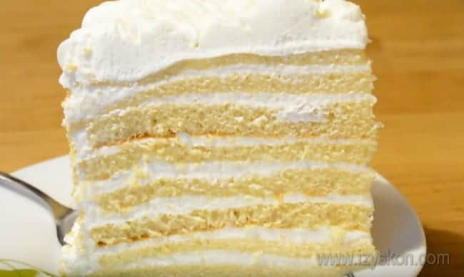 Зная, как приготовить сметанный крем для торта, вы сможете использовать его для самых разных рецептов.