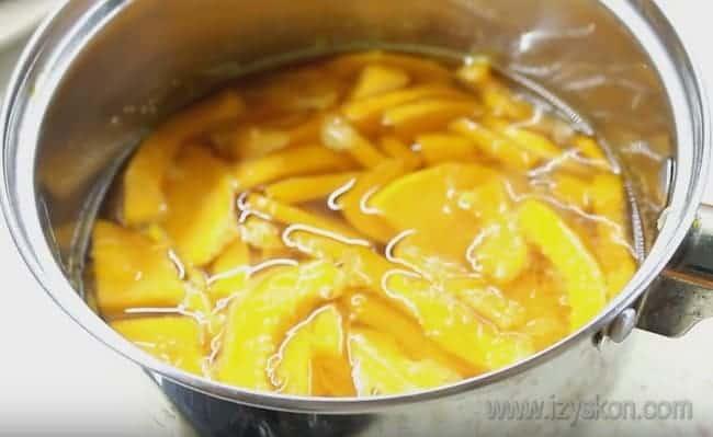 Этот простой рецепт поможет приготовить цукаты из тыквы в духовке быстро и вкусно.