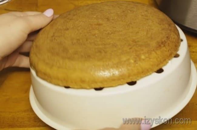 В мультиварке можно легко испечь основу для тирольских пирогов.