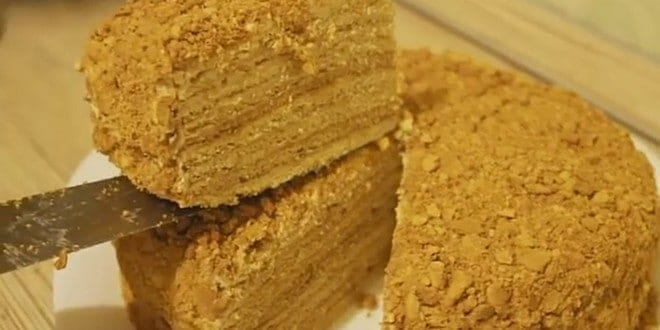 """Готовим торт """"Медовик"""" со сгущенкой по простому рецепту с фото."""