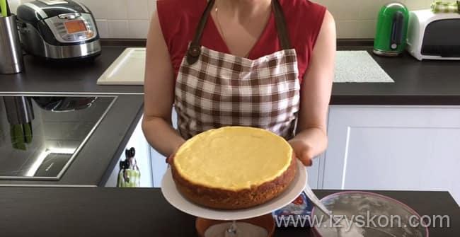 Вынимаем торт готовый творожный торт с мультиварки