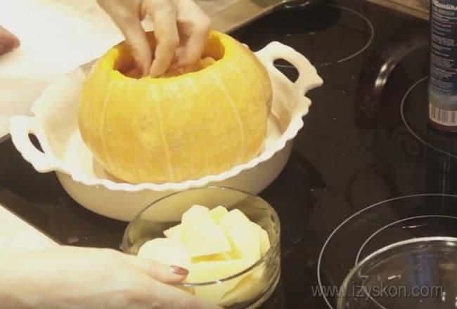 Фаршированная тыква с мясом и картошкой в духовке станет прекрасным праздничным блюдом.