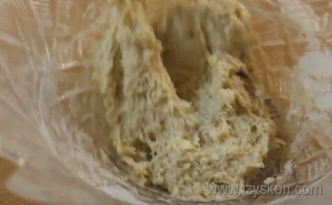 Рецепт яблочного кекса Безысходность в микроволновке тоже многим придется по вкусу.