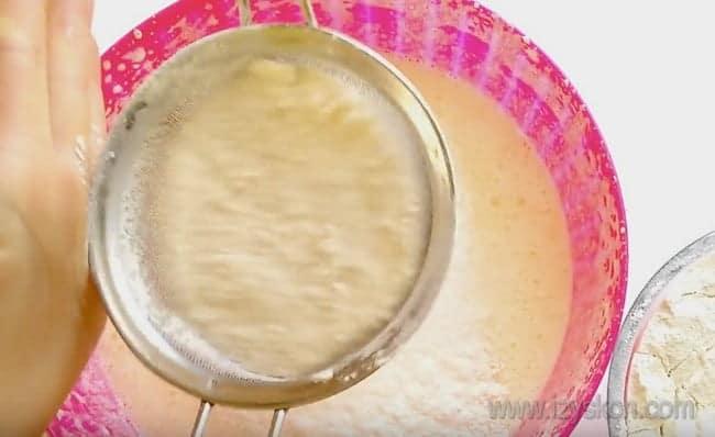 Этот рецепт кекса на сметане в духовке смогут осилить даже начинающие кулинары.